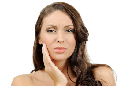 Почему болят зубы мудрости?