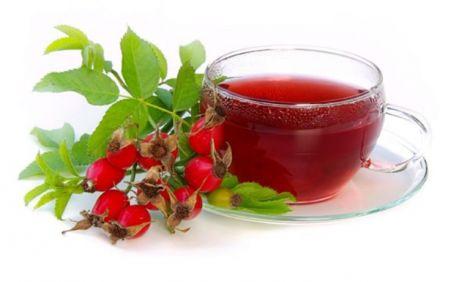 З плодів шипшини можна робити настої і відвари, що володіють різноманітними і численними лікувальним