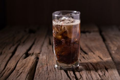 Поширені міфи про користь дієтичних напоїв