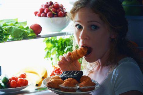 Названі продукти, які можна їсти вночі без шкоди для фігури і здоров'я