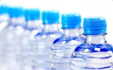 вода з пляшок може бути зовсім не мінеральною