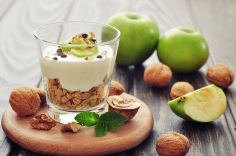 Знижувати рівень холестерину можуть також горіхи