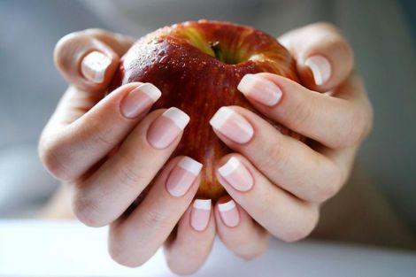 Як зміцнити нігті у домашніх умовах?