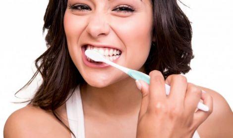 Зубну пасту можна замінити молоком