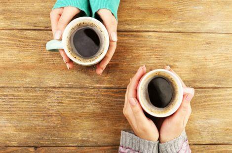 У який час доби найкорисніше пити каву?