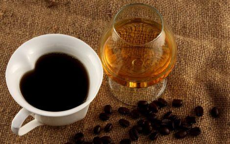 Чому каву не можна змішувати з алкоголем?