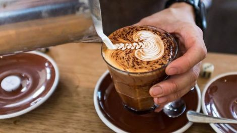 Як кава впливає на схуднення