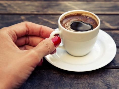 Чому в спекотну краще обмежити вживання кави?
