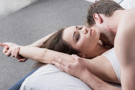 Що дівчата думають про своє задоволення у ліжку? (ВІДЕО)