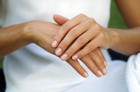 Догляд за нігтями рук у домашніх умовах
