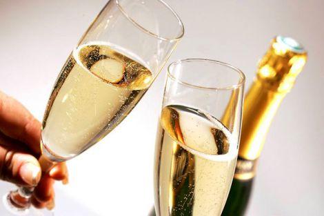 Чому краще відмовитись від шампанського у новорічну ніч?