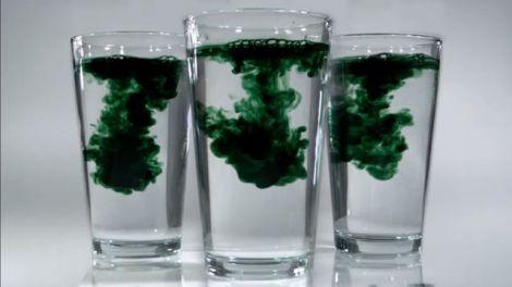 Зелена вода: все, що вам треба знати про користь хлорофілу