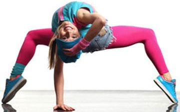 ці вправи розвинуть гнучкість та допоможуть зробити фігуру стрункішою