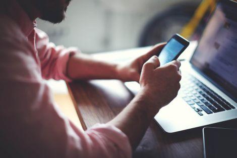 Як смартфони впливають на здоров'я?