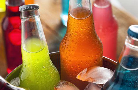 Шкідливі напої у спеку
