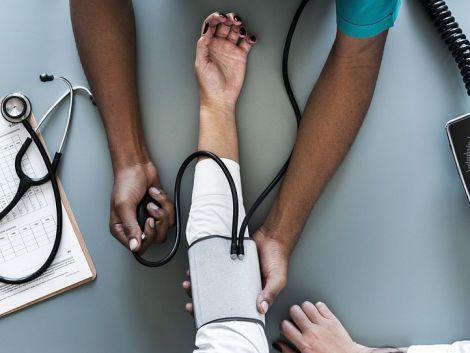Життя в бідній місцевості збільшує смертність від серцевого нападу