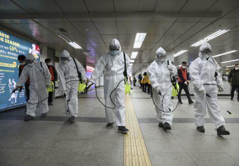 Пандемія призводить до параної