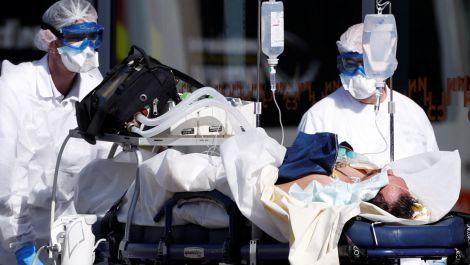 Чому захворюваність COVID-19 не йде на спад?