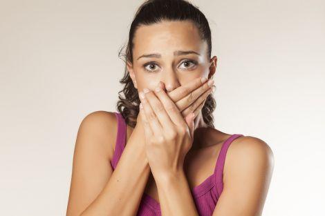 Неприємний запах з рота може свідчити про захворювання