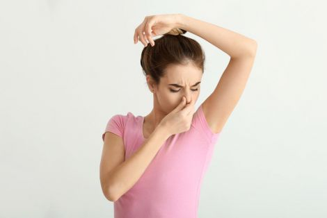 Як позбутись неприємного запаху тіла?