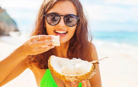 Літо - чудова пора для фруктів