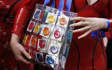 Чому презервативи корисні для жінок