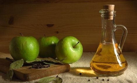 Як використовувати яблучний оцет для обличчя