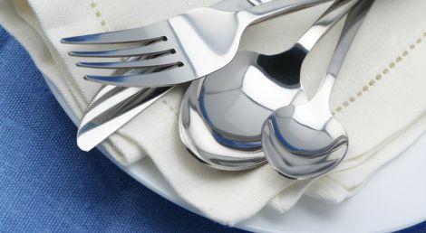 Великі столові прибори допоможуть схуднути