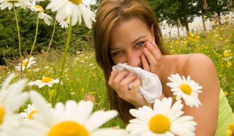 Алергія на обличчі і щоках від крему: що робити