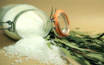 Щоб довше зберегти здоров'я, зменшіть кількість солі