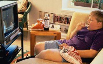 Реклама – це рушій не лише торгівлі, але й ожиріння