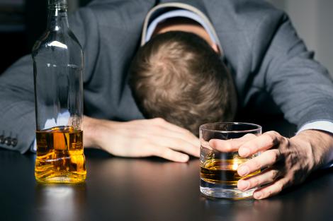 Алкогольная зависимость разрушает жизнь