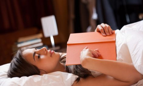 Процес читання сприяє хорошому сну