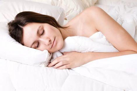 На якість сну впливає поза, у якій ви спите