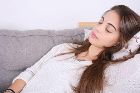 Синдром сплячої красуні виявили у 18-річної британки