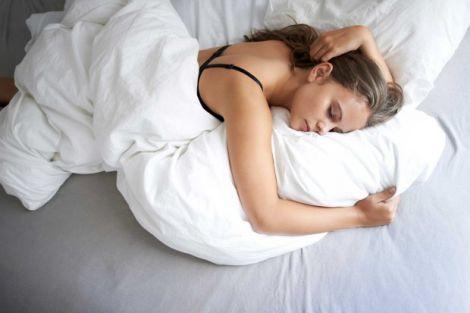 В якій позі краще спати?