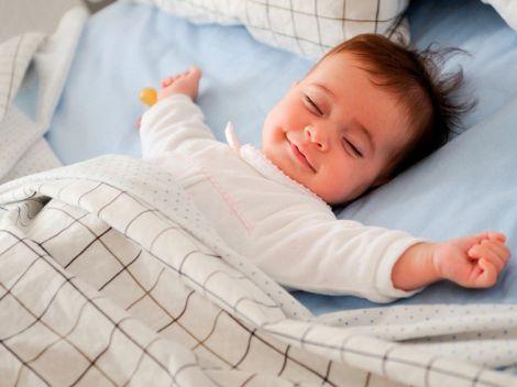 Скільки повинна спати дитина?