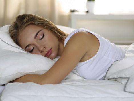 Нестача сну посилює апетит