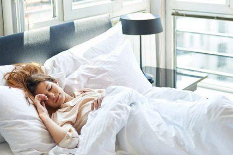 Червоне світло покращує якість сну