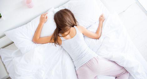 Шкода сну на животі