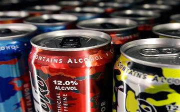 Люди вважають, що постійне вживання цих напоїв відкриває їм друге дихання, але ця теорія брехлива