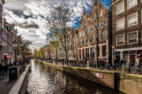 В Нідерландах послаблюють обмеження після локдауну