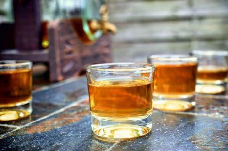 Алкоголь руйнує клітини мозку