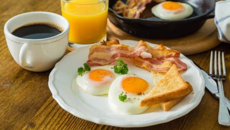 Лікар-дієтолог назвав найгірший спосіб вживання яєць