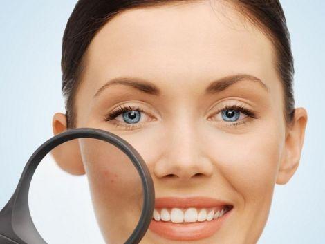 Очищувати пори варто лише у косметолога