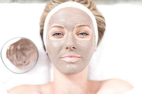Косметологічна маска для обличчя