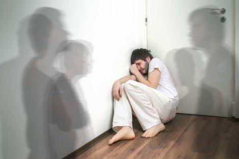 Ранні ознаки шизофренії, якими не варто легковажити