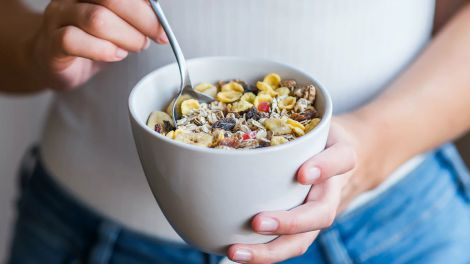 Корисний сніданок для головного органу довголіття назвали дієтологи