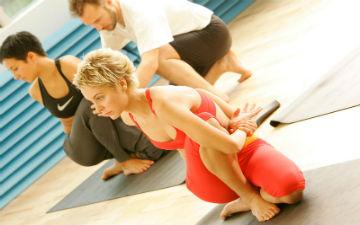 Літня йога для красивого тіла