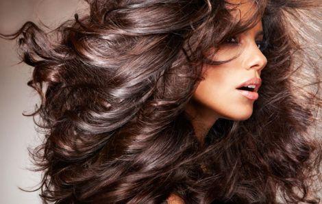 Модна жіноча стрижка для довгого волосся (ВІДЕО)